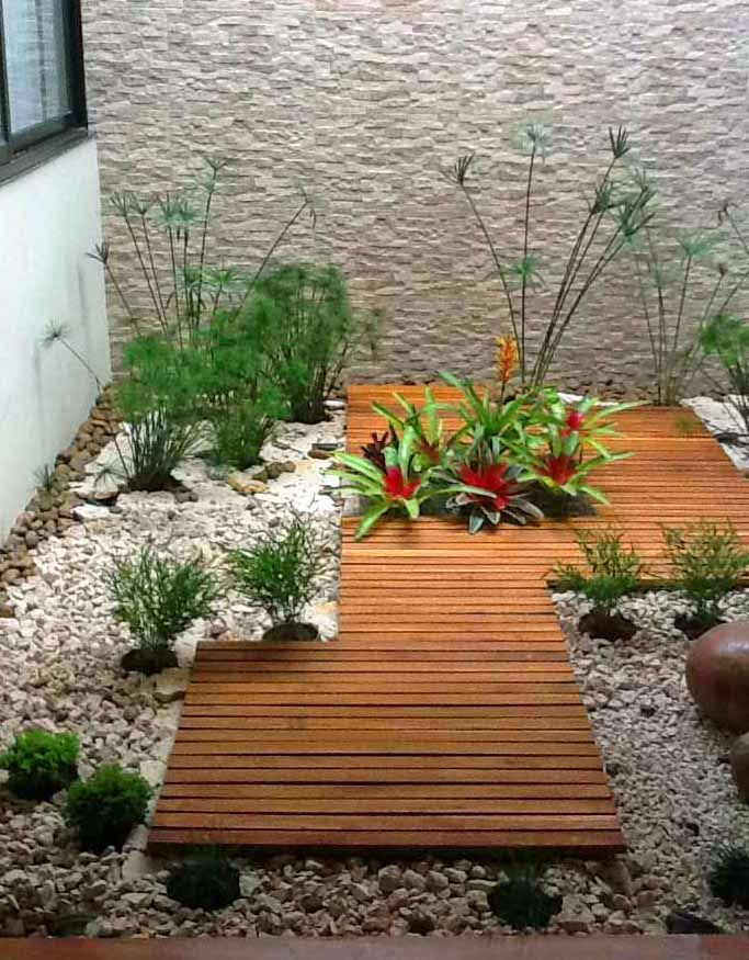 Deck jardin buscar con google jardin pinterest for Decoracion patios internos