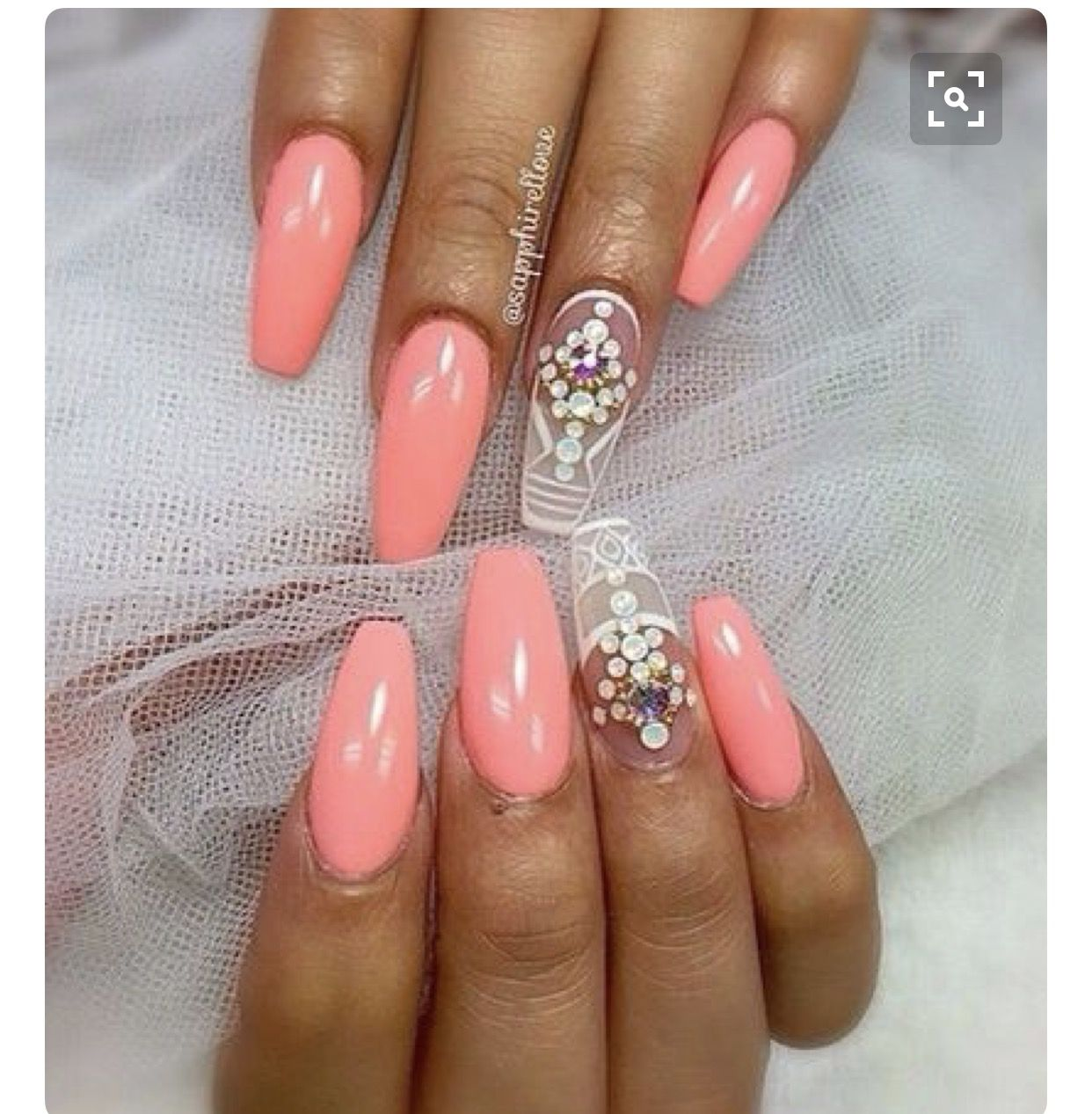 Coral nails | Coffin Nails | Pinterest