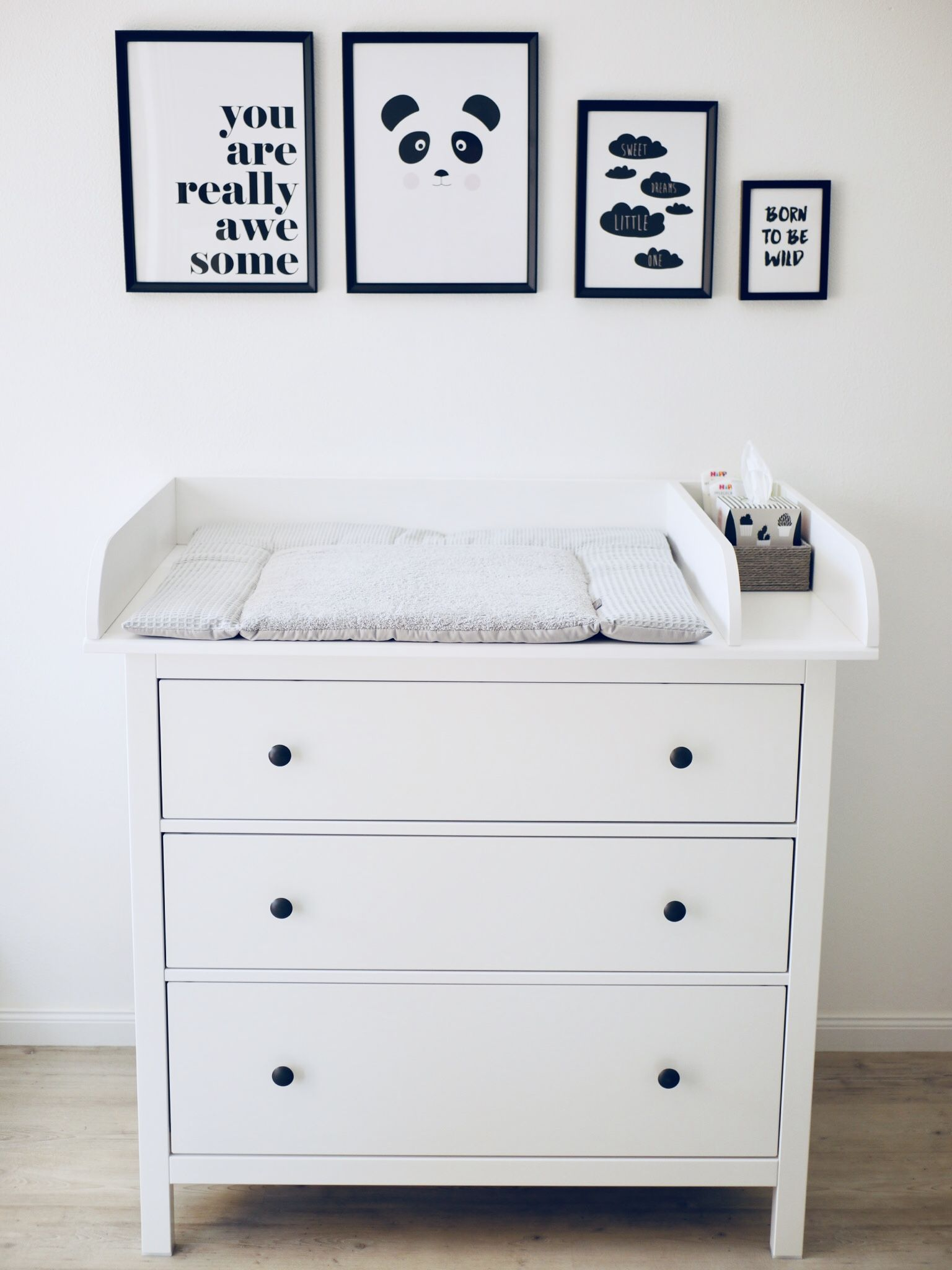 unsere wickelkommode ikeahack wie haben die schmale hemnes ikea kommode mit einem. Black Bedroom Furniture Sets. Home Design Ideas