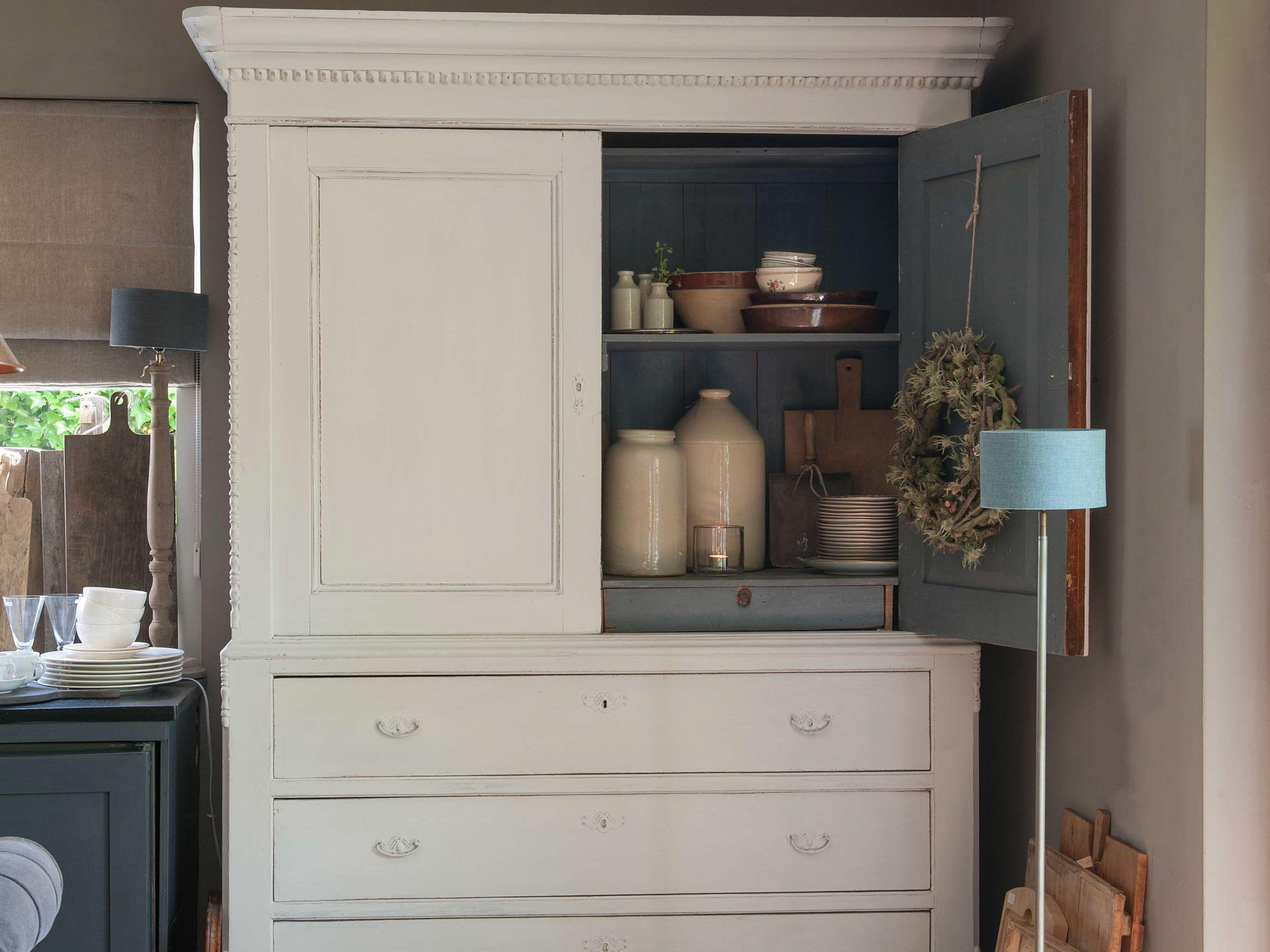 Oude Houten Kast : Oude houten kasten brengen direct sfeer en karakter in je interieur