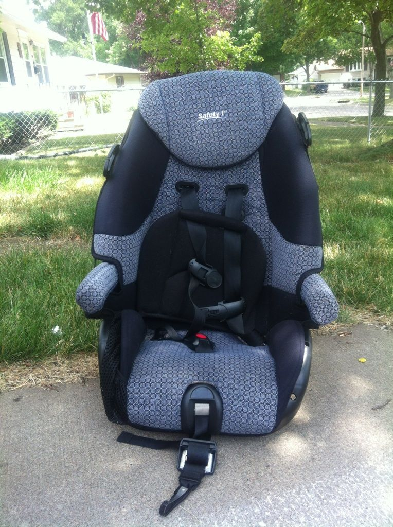 Safety First Car Seat In Land S Garage Sale In Cedar Rapids Ia