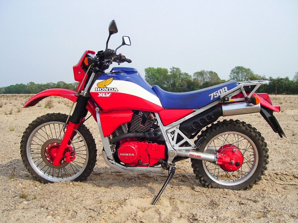 MotArt: Honda 750 XLV