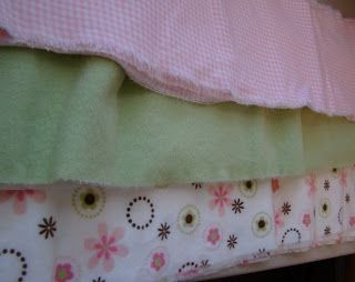 Rag quilt tutorial.  Looks pretty easy to make and really cute.  Good gift for baby showers.