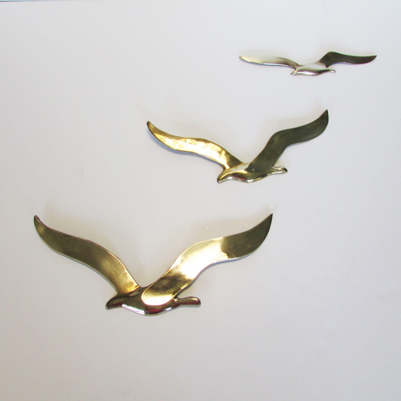 Vintage Set Of 3 Brass Birds In Flight Mid Century Modern Wall Etsy Metal Bird Wall Art Bird Wall Art Birds In Flight