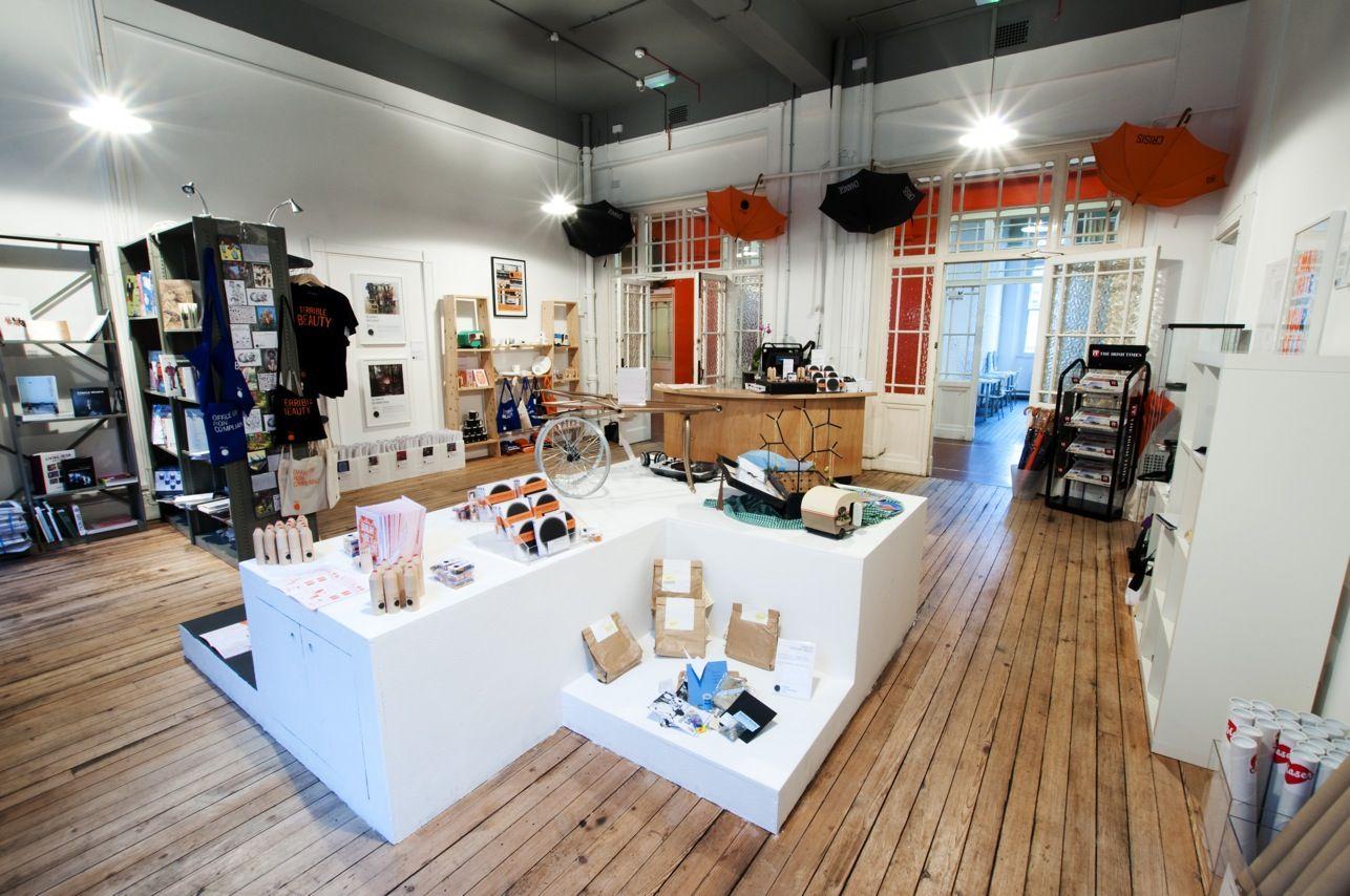 rosan bosch schools buscar con google shop deco library shelves painted osb y deco. Black Bedroom Furniture Sets. Home Design Ideas