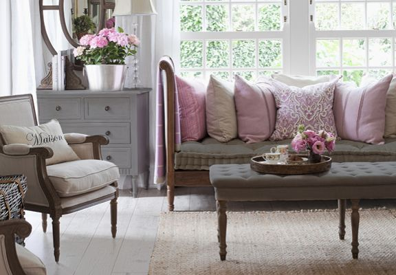 Salon cosy rose parme et gris new home ideas home decor home living room et house design - Salon cosy gris ...