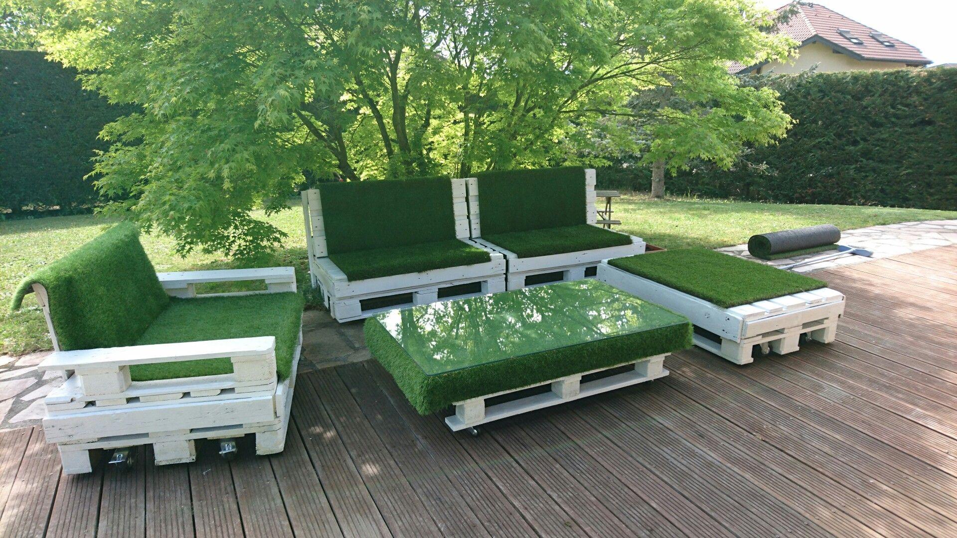 Mon Salon De Jardinpalettes Et Herbe Synthetique C Est Tres Beau Et Confortable J Adore Salon De Jardin Palettes Salon De Jardin