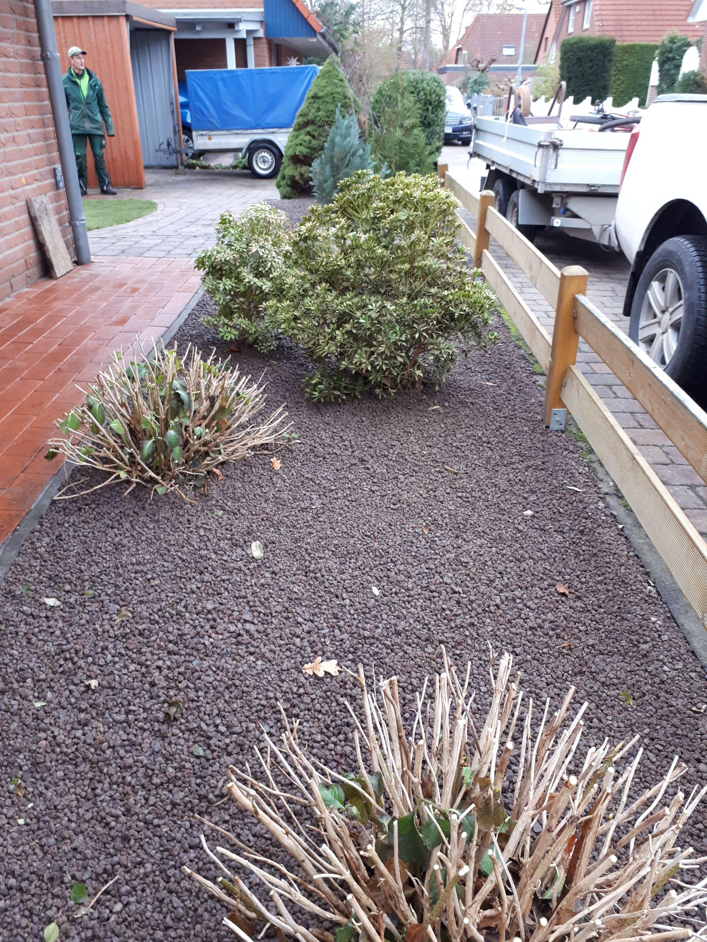Beetgestaltung Mit Lavadur Von Greenfairway E K Gartenpflege Garten Gartengestaltung