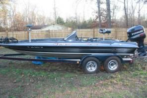 1990 Stratos 201 Pro Bass Boat Boat Bass Fishing
