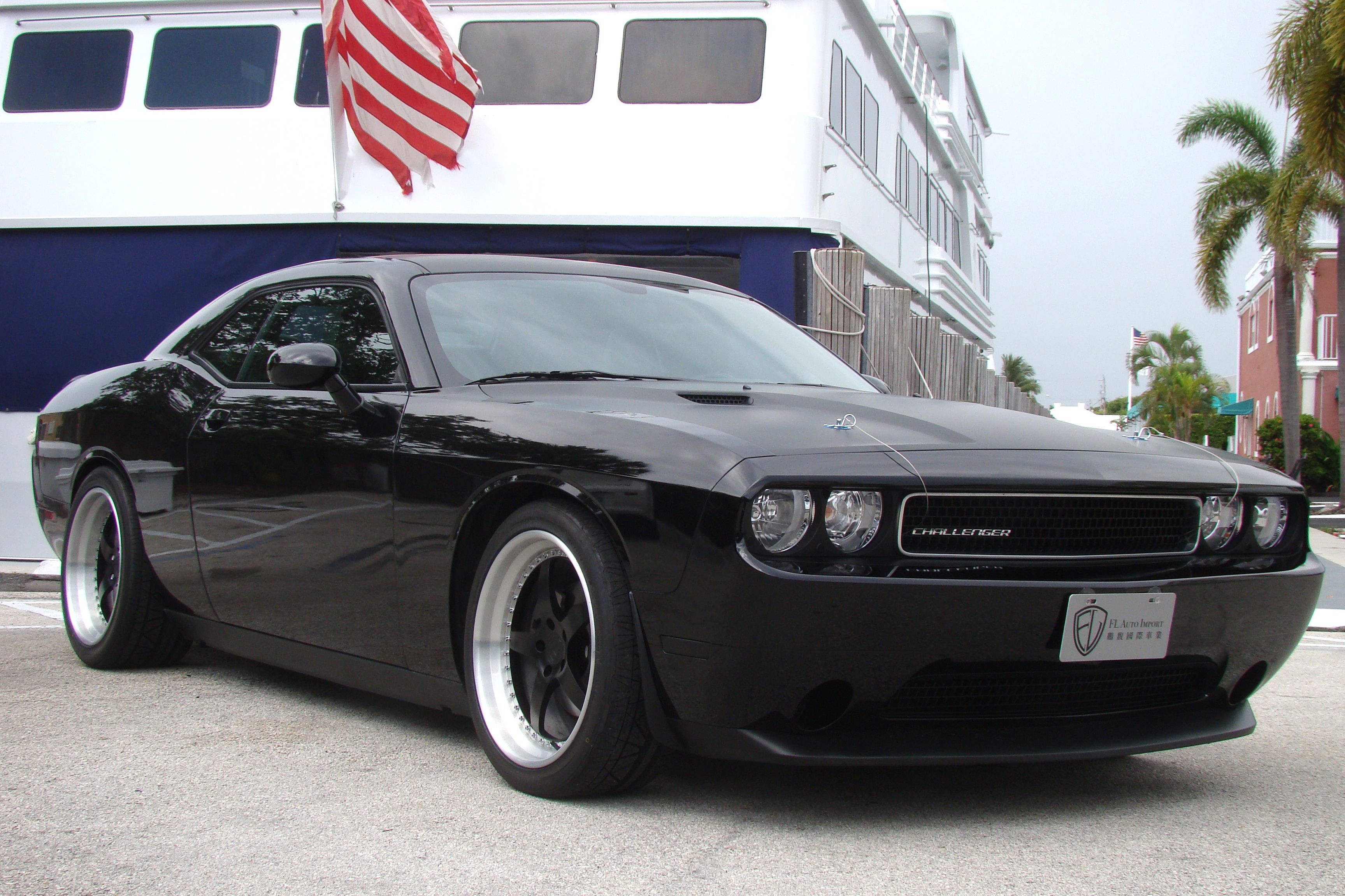 3m scotchprint flat matte black hood roof wrap on dodge challenger in miami florida