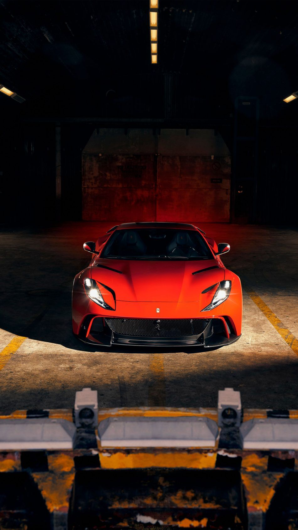 Ferrari 812 Superfast N Largo 4k Ultra Hd Mobile Wallpaper Car Wallpapers Super Luxury Cars Sports Car Wallpaper