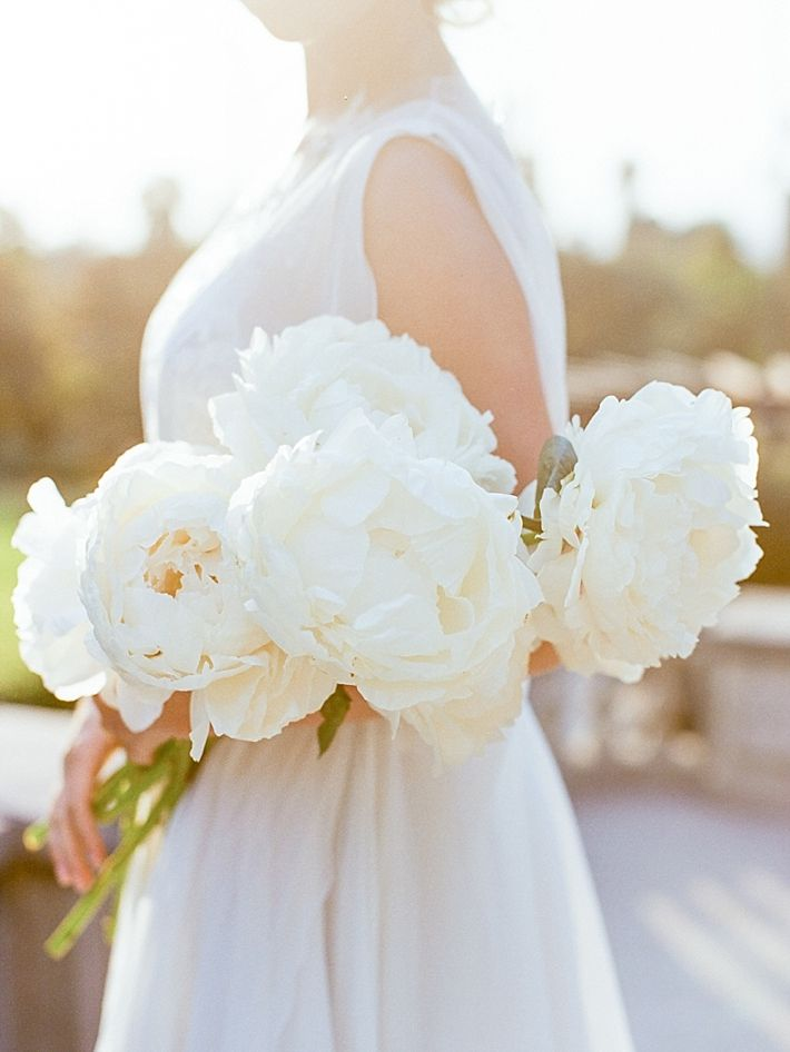 Graceful and Elegant Wedding Inspiration at the Kimberly Crest House and Gardens