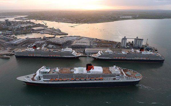 Los gigantes del mar Queen Mary 2, Queen Elizabeth y Queen Victoria en el puerto de Southampton (Rex-Cunard, 2014)