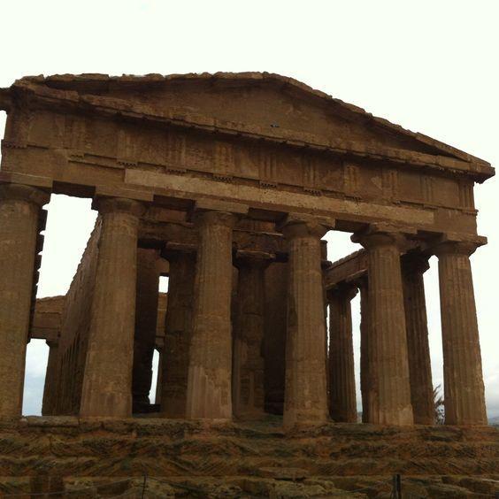 Templo de la Concordia en Agrigento. Sicilia