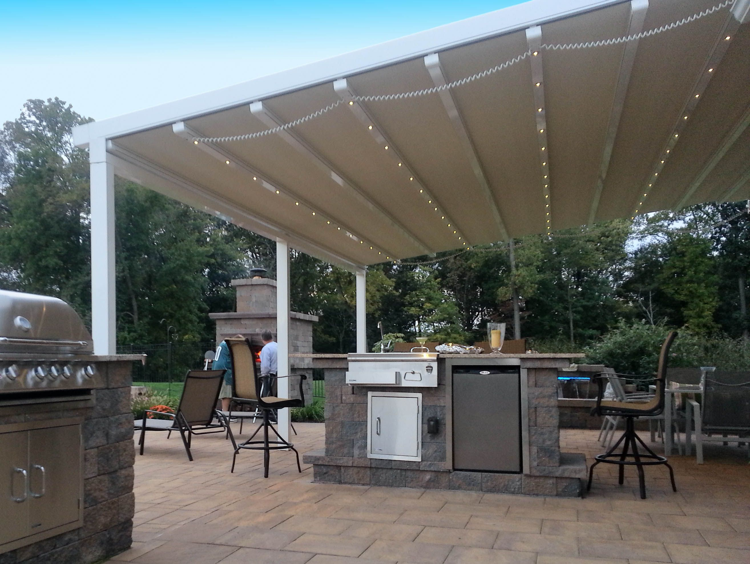 Manual And Motorized Retractable Awnings Awning Works Inc Retractable Pergola Waterproof Pergola Covers Covered Pergola