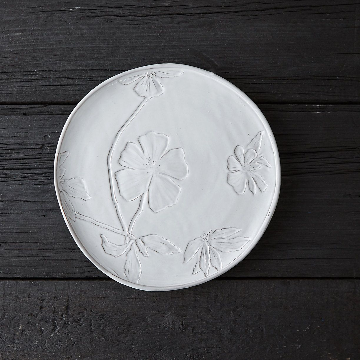 Handmade in Italy from glazed earthenware this dinner plate is scattered with meadow blooms. & Pressed Meadow Dinner Plate   Earthenware and Tablewares