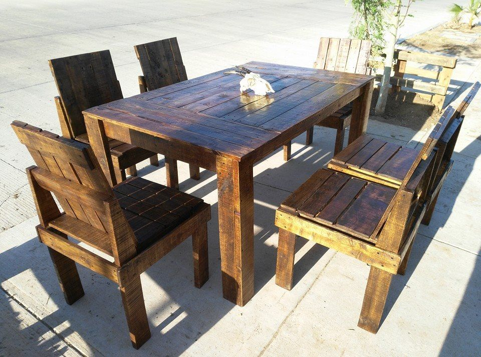 Wooden Pallet Dining Table And Chairs Set Pallet Dining Table Wood Table Diy Pallet Projects Furniture