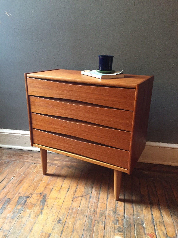 Best Mid Century Dresser Danish Modern Dresser Midcentury 400 x 300