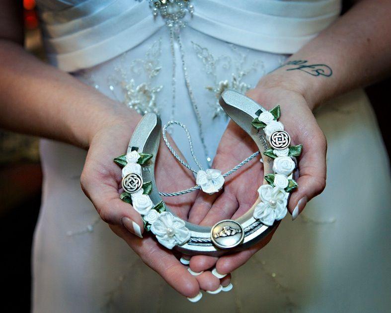 Irish Wedding Tradition Celticweddingringsbrides Irish Wedding Traditions Celtic Wedding Traditions Irish Wedding Dresses