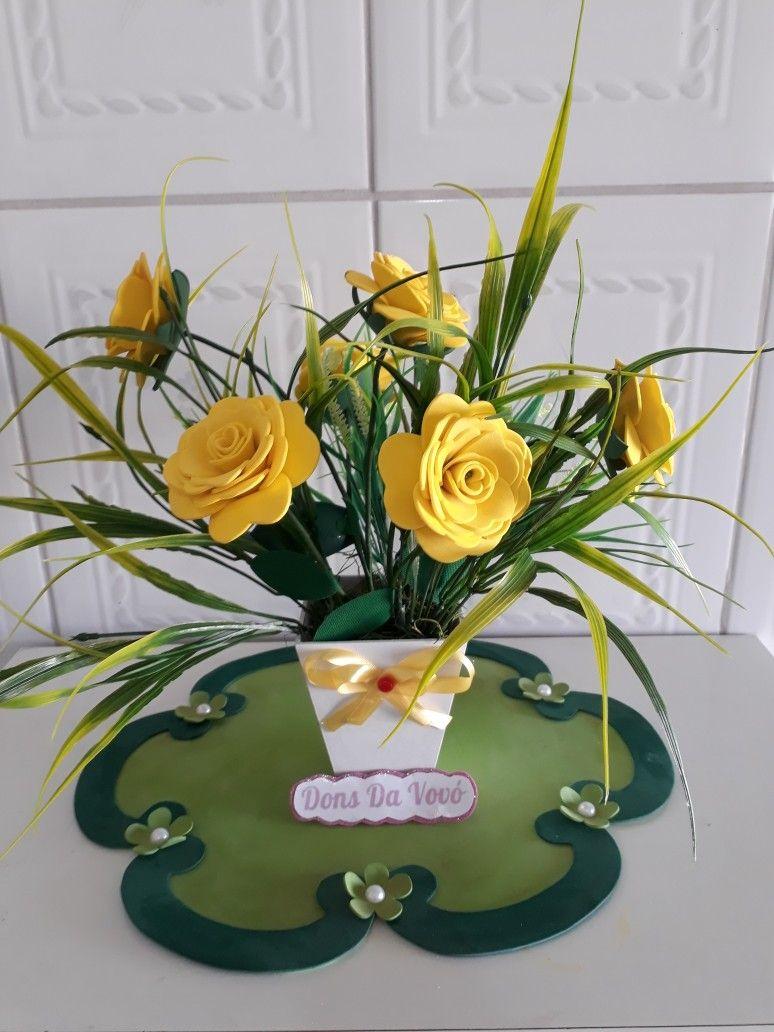 Arranjo De Rosas Amarelas Ideal Para Centro De Mesa Com Imagens