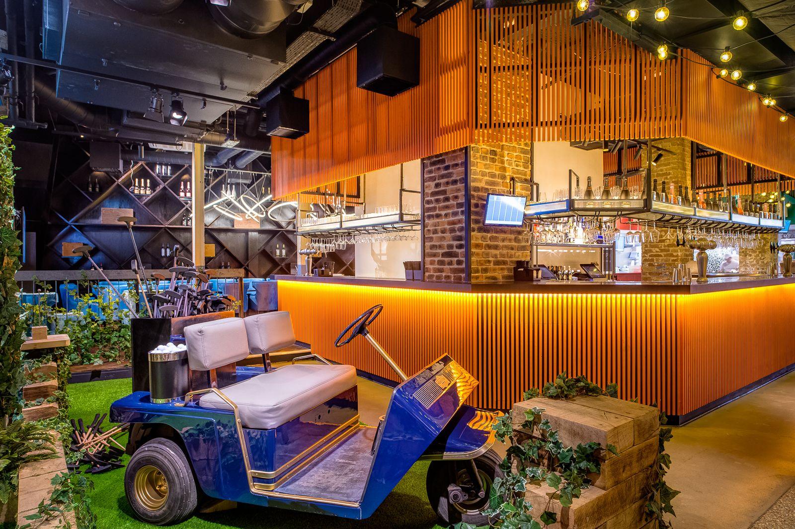 Swingers golf bar London