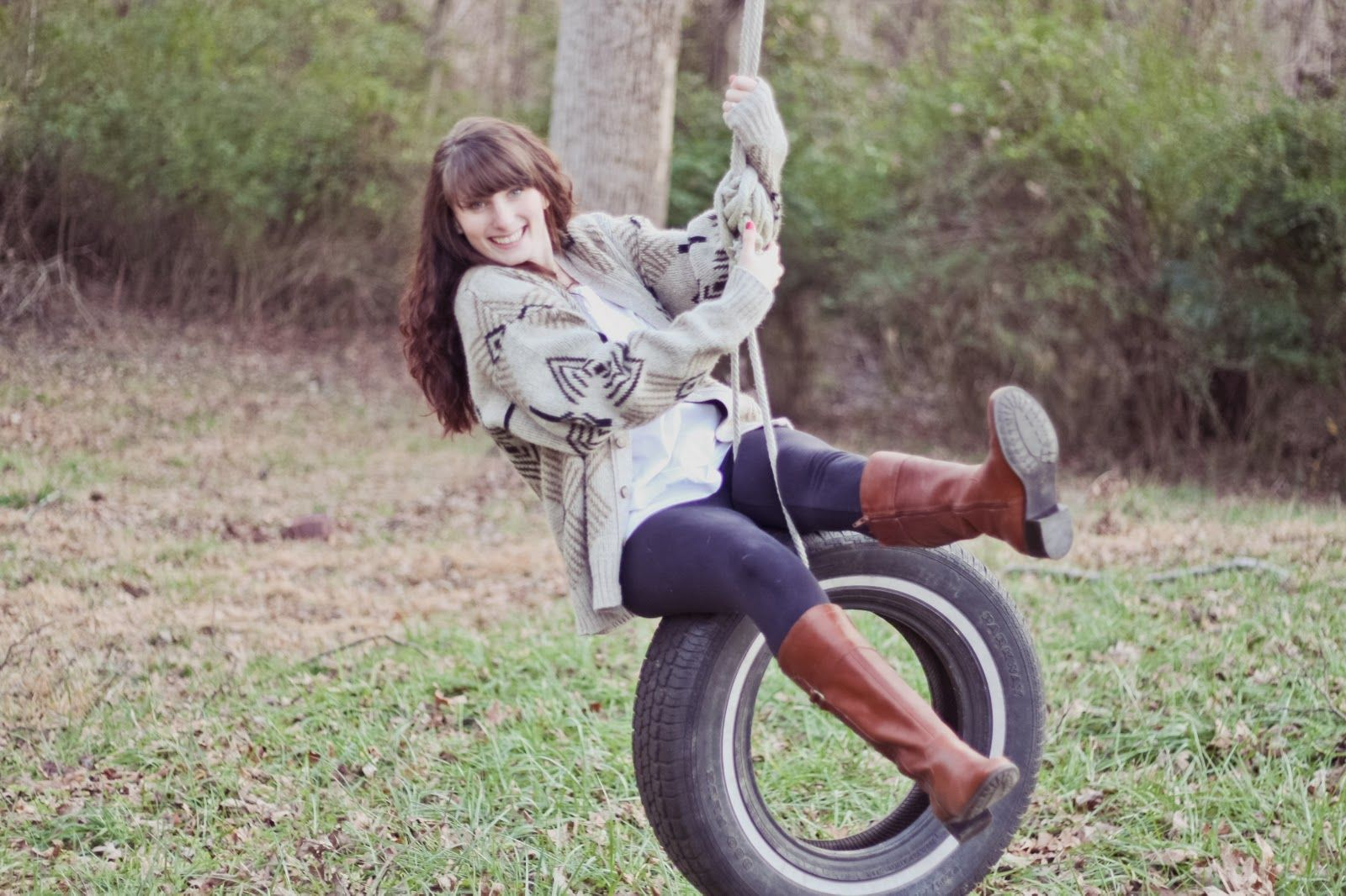 tire swing- senior pic idea #tireswing