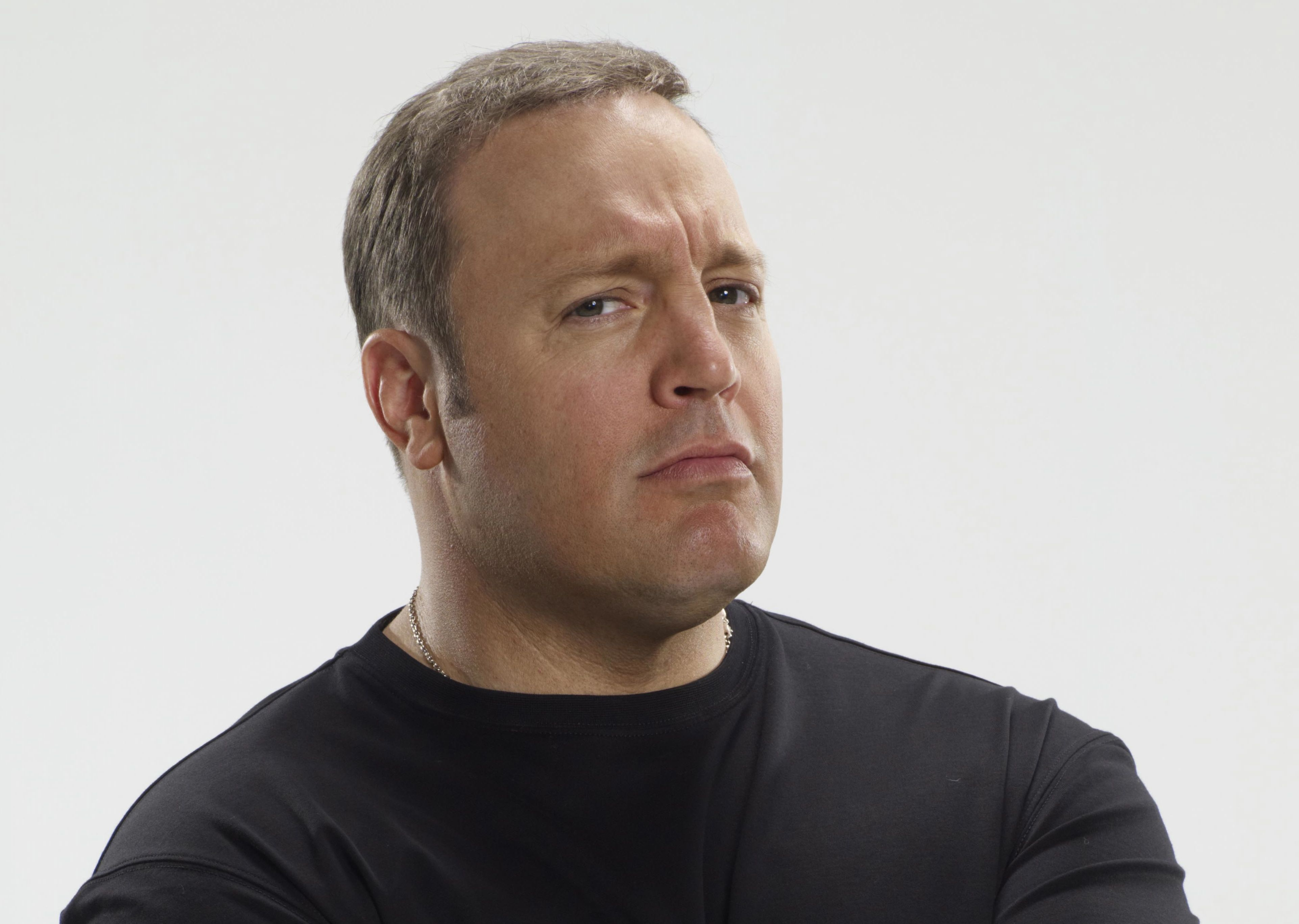 http://hollywoodiconmagazine.com/wp-content/uploads/2012/02/Kevin-James-20122.jpg