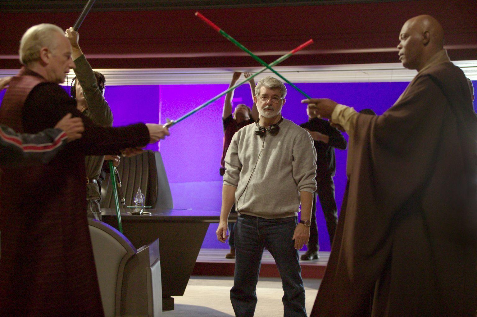 Palpatine Vs Windu Star Wars Movie Star Wars Episodes Star Wars Facts