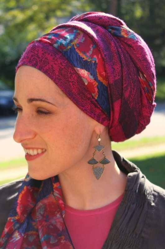sélectionner pour dernier design exquis offres exclusives Attacher son foulard spécial pour la chimio sur la tête ...