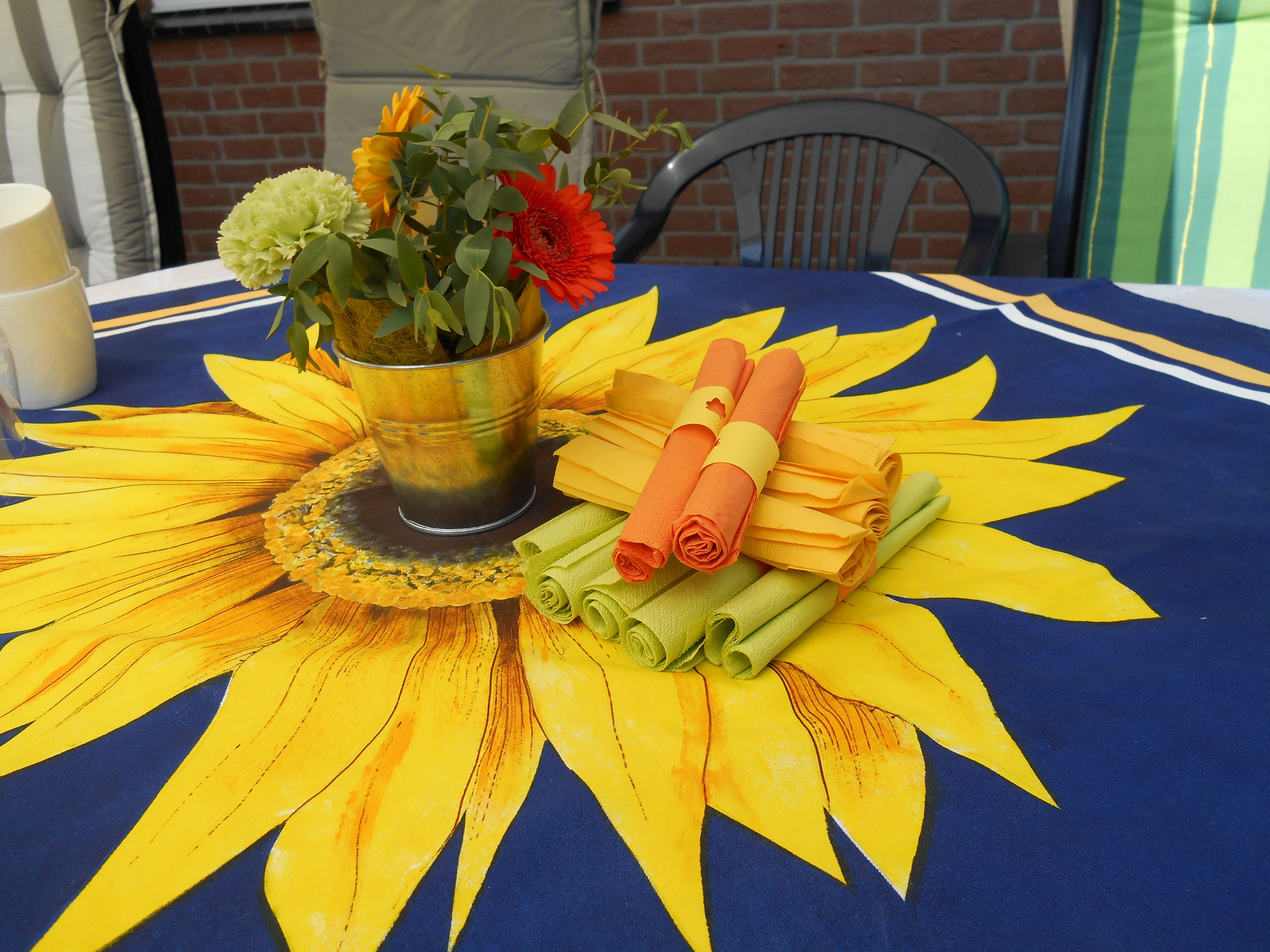 Hand Painted Tablecloth Tablescapes Outdoor Enteraining