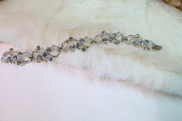 CORO Vintage Bright Blue Stone & Silver Plate Bracelet @Tophatter