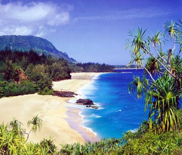 Lumahai Beach / Kauai Hawaii / Hike in, between Haena and Hanalei
