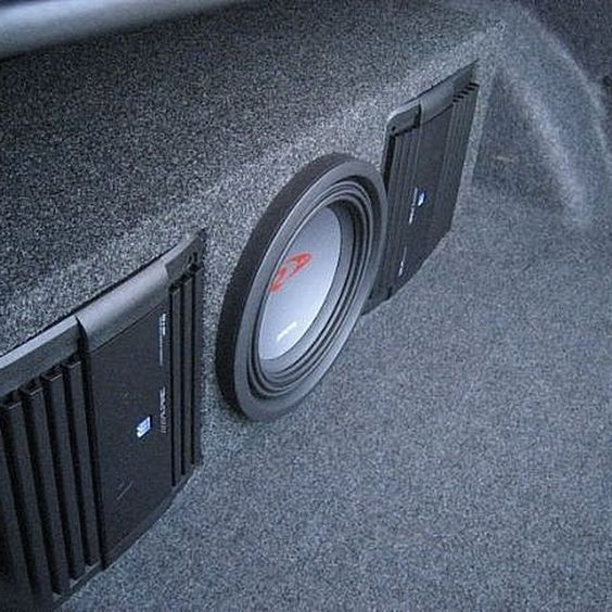 how to install a car audio amplifier and subwoofer stereo audio coche sistema de audio autos. Black Bedroom Furniture Sets. Home Design Ideas