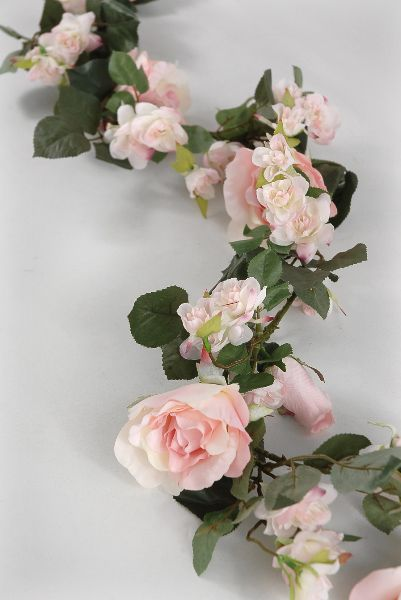 Pink Rose 6 foot Silk Garland $26     Filled with open roses, veined leaves and rose buds.  Horse flowers