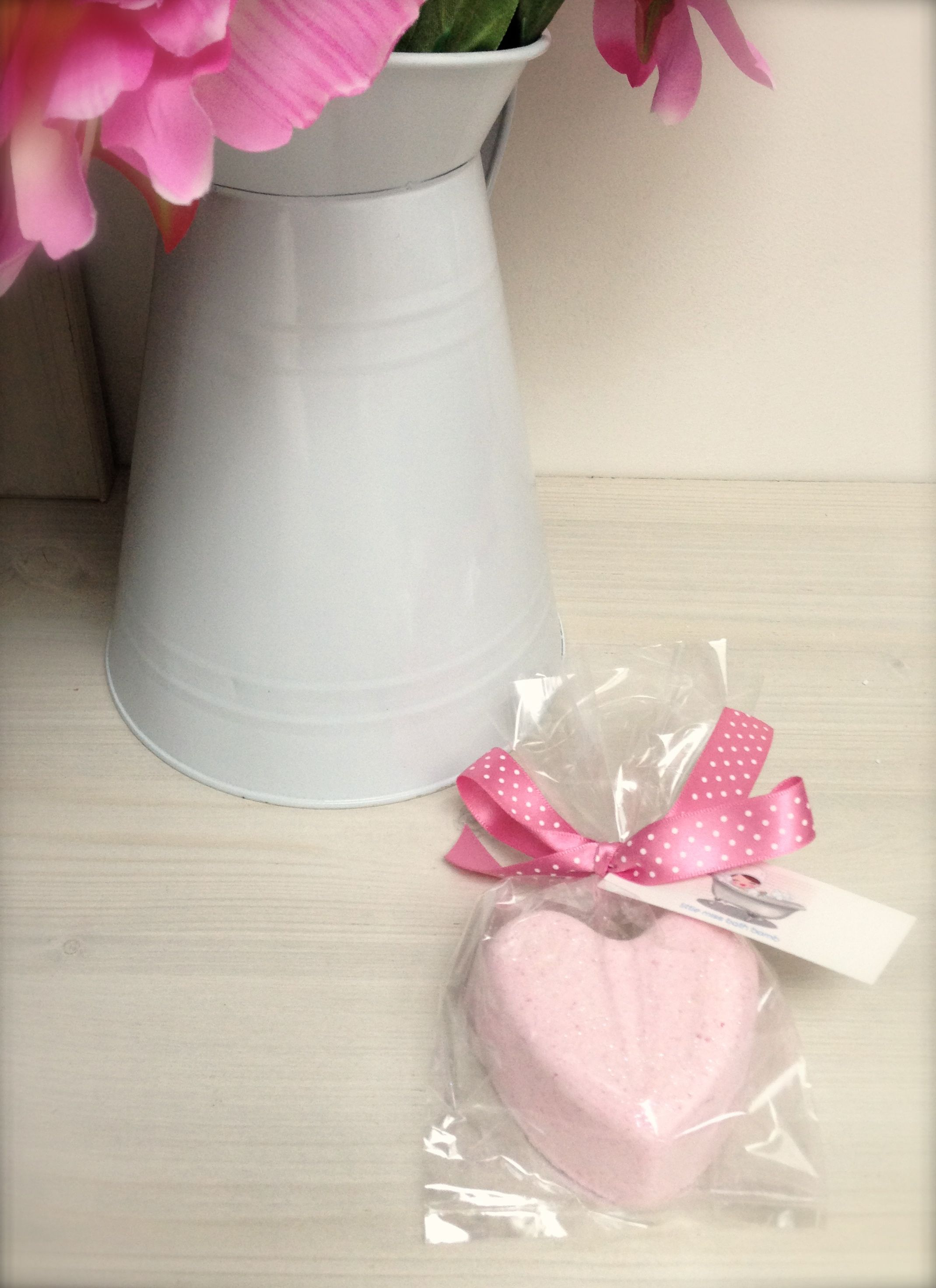 Beautiful wedding favours or in pretty pamper party gift bags ...