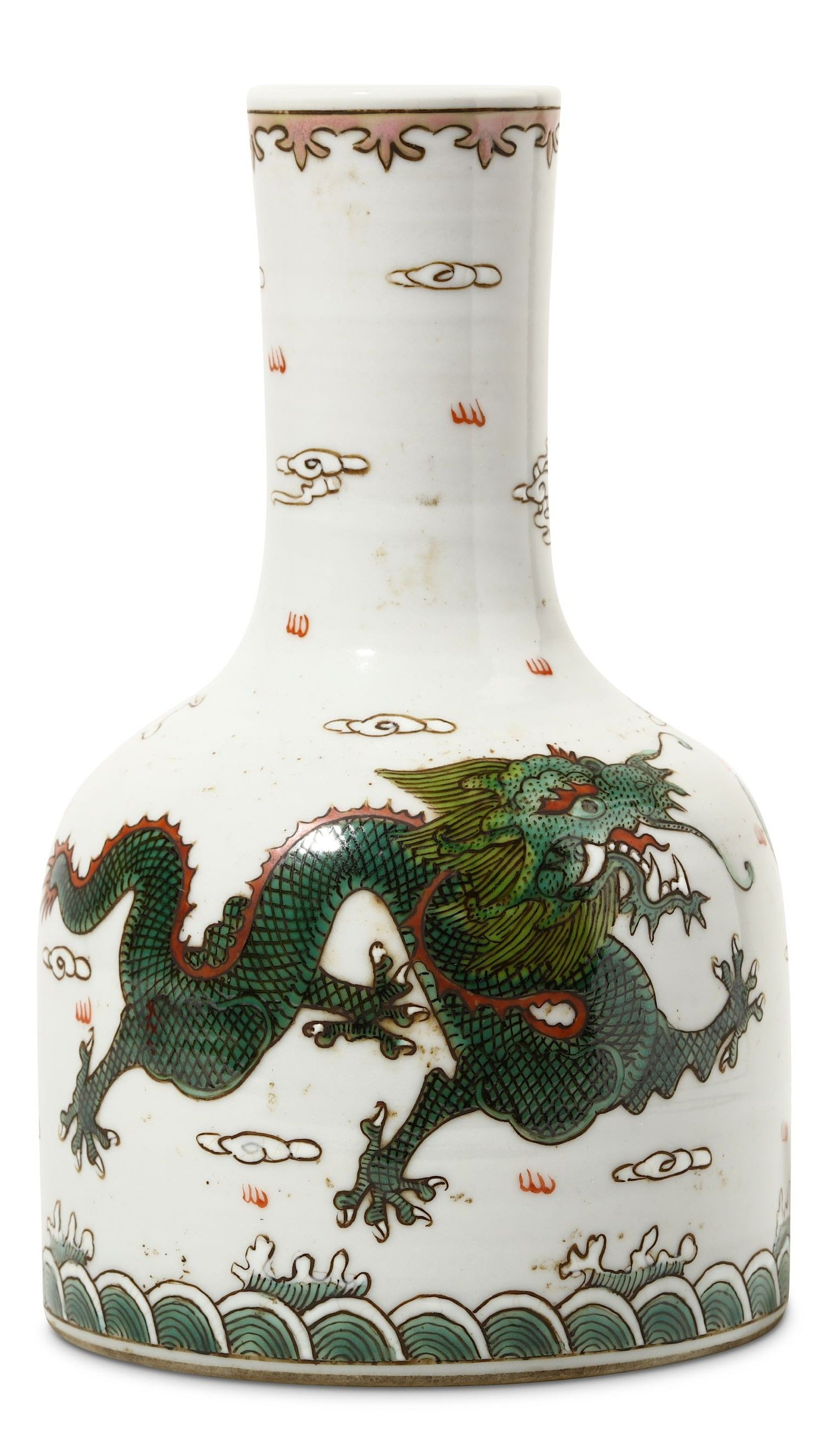 Famille Verte Dragon mallet Vase | Qing Dynasty - Guangxu mark | #dragon #dragons #art #antique #ceramic #ware #Jingdezhen #stoneware #porcelain #pottery #auction #history #poterie #céramique #sculpture #celadon #antiquité #brocante #stoneware #museum #sancai #nankin #dynasty #tang #ming #song #tong #yuan #Qianlong #qing #Cizhou #meiping #imperial #period #chine #drachen #drache #drago #Japan #meiji #satsuma #Shenlong #Tianlong #Qiulong #Panlong #longshan #ryū #龍 #竜 #龙