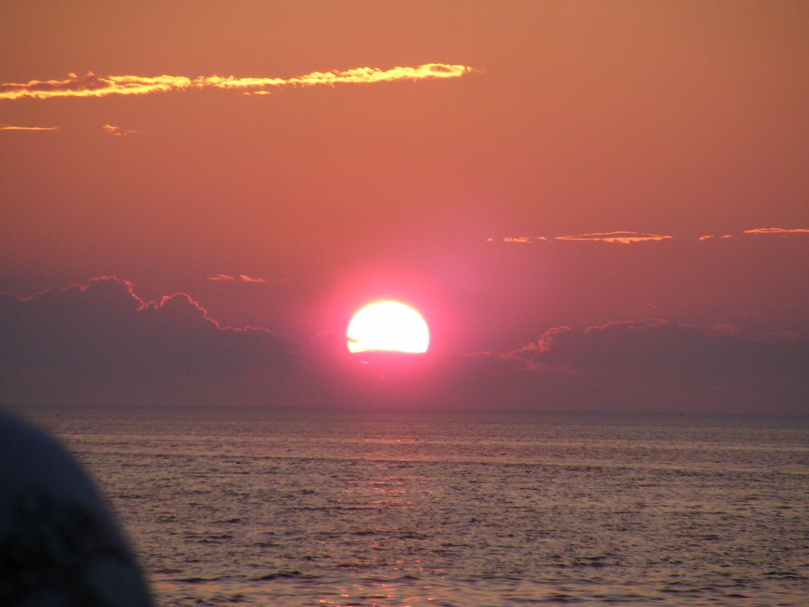 Beautiful Sunset Taken Off Sesuit Harbor Dennis Ma Taken From The Albatross Fishing Boat Fishing Boats Beautiful Sunset Sunset