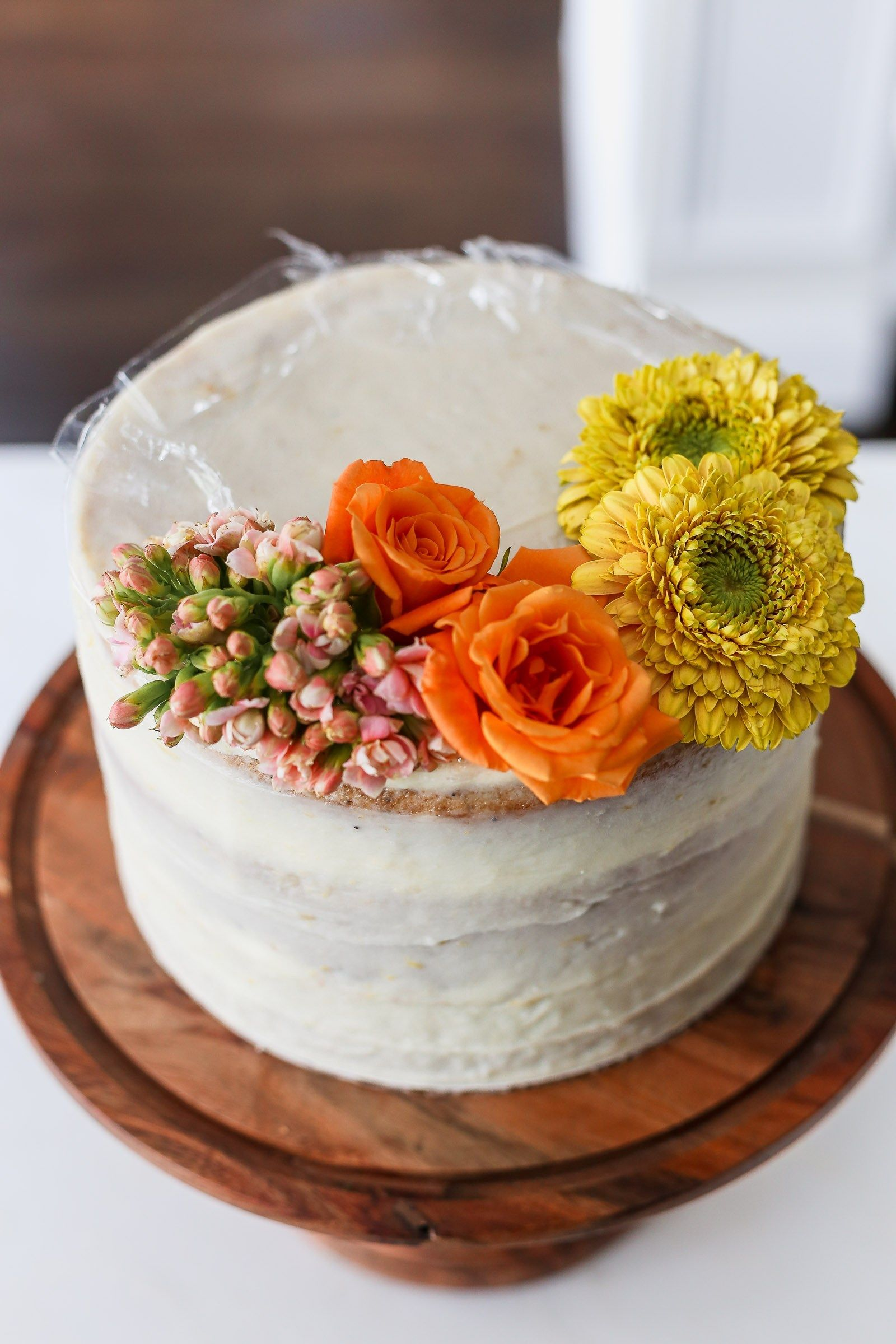 How To Decorate A Cake With Non Edible Flowers Frosting Fettuccine Flower Cake Fresh Flower Cake Cake Decorating Flowers