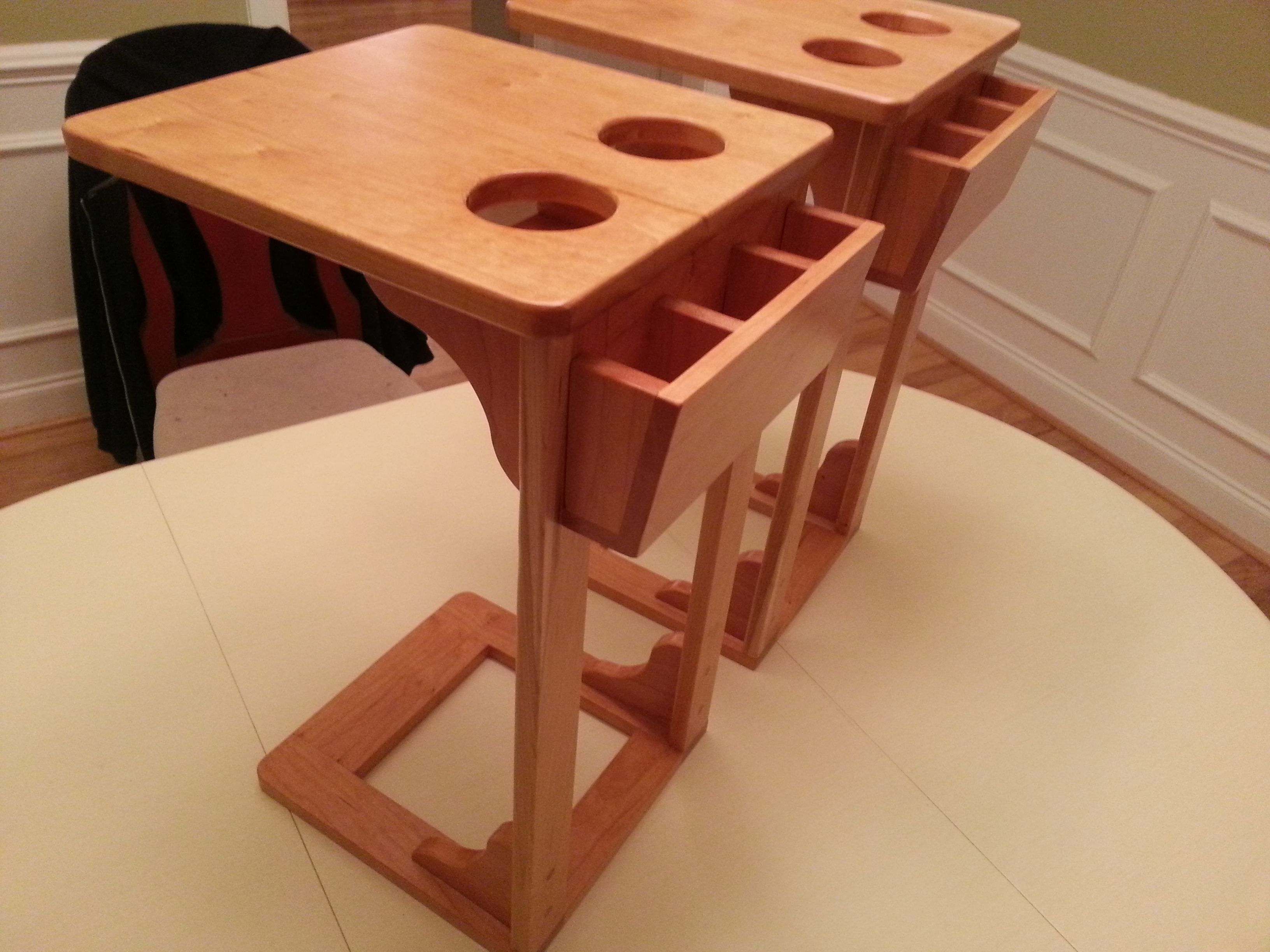 I took steves sofa snack table design and made a few sofa side table remote caddy and drink holder in one cut plans and info geotapseo Image collections