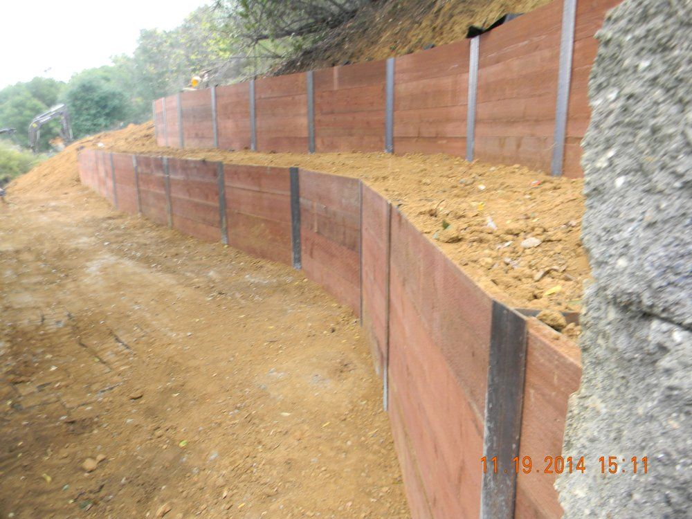 I Beam Wood Retaining Wall Google Search Landscaping