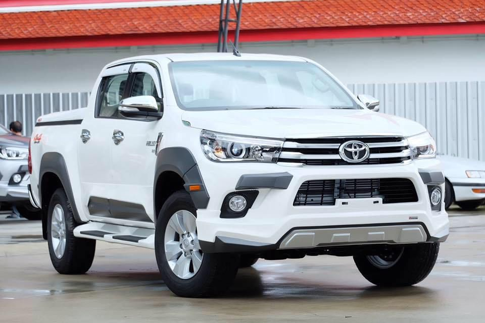 2017 2018 Toyota Hilux Revo Thailand Is In Stock At Fprward Motors Thailand Single Cab Toyota Hilux Revo Extra Cab Smart Ca Toyota Hilux Toyota Trucks Toyota