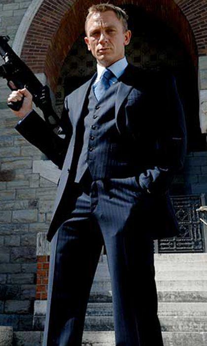 james bond blue suit casino royale