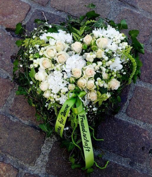 Pin von Anna Stella auf Blumen  Trauerfloristik