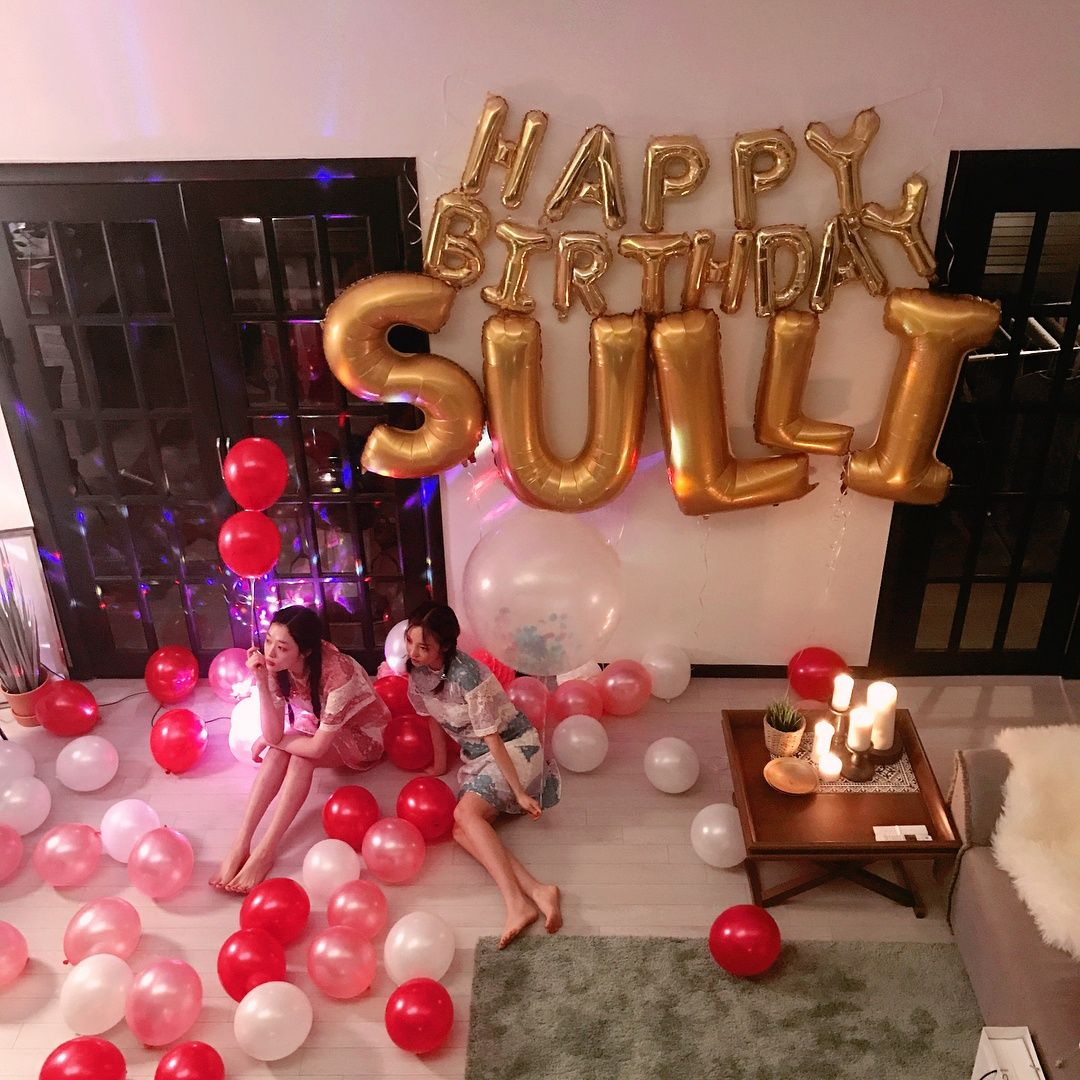 Pictures Give An Inside Look At How Sulli Celebrated Her 23rd Birthday Koreaboo