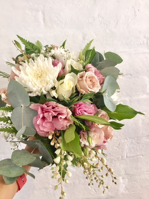 Rustic Style Of Wedding Bouquet Gum Leaves Antique Roses Chrysanthemums Pale Pink Lisianthus Created Flower Delivery Wedding Flowers Flower Bouquet Wedding