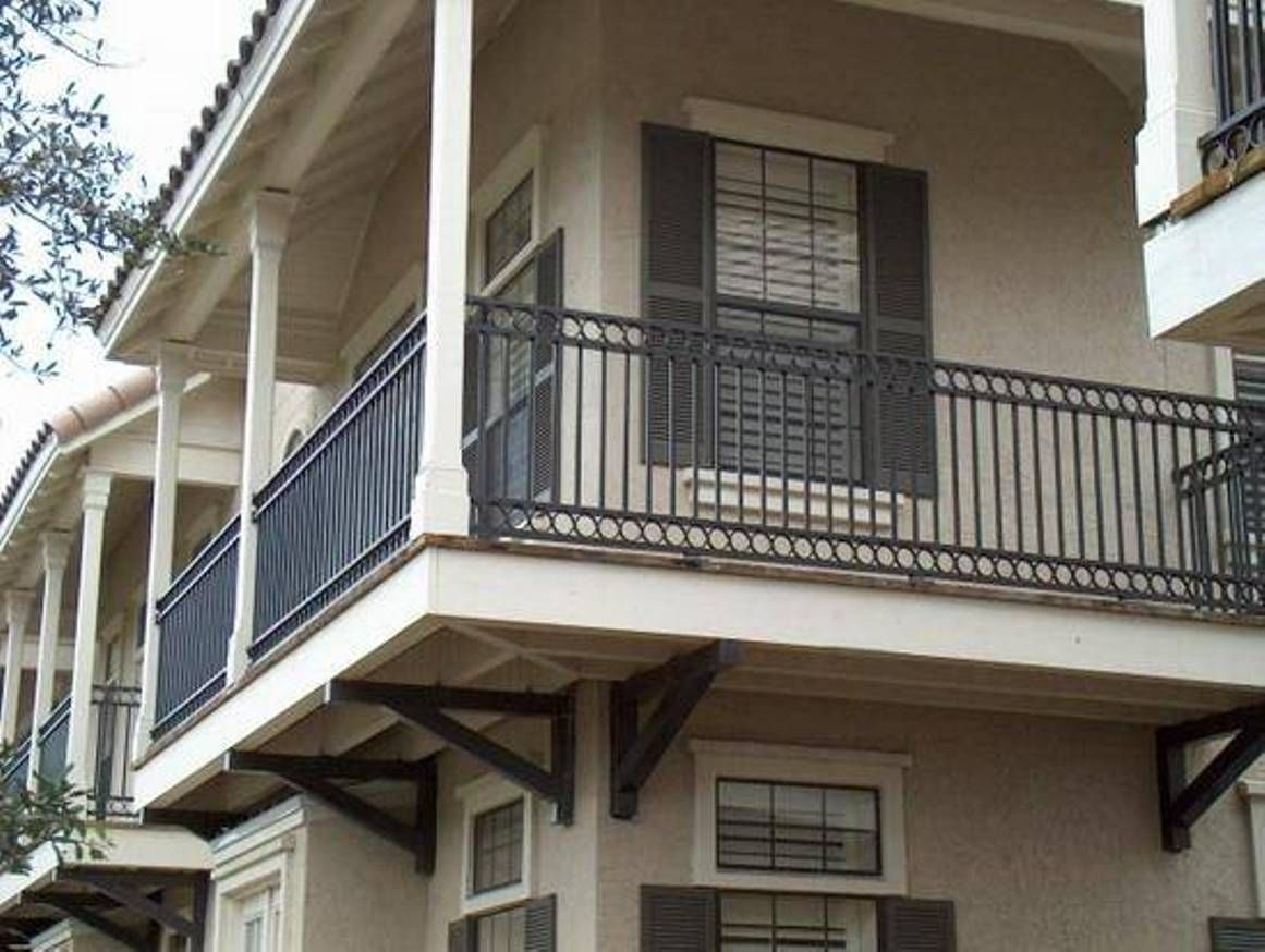 Landscaping and outdoor building house balcony railing metal iron balcony railing