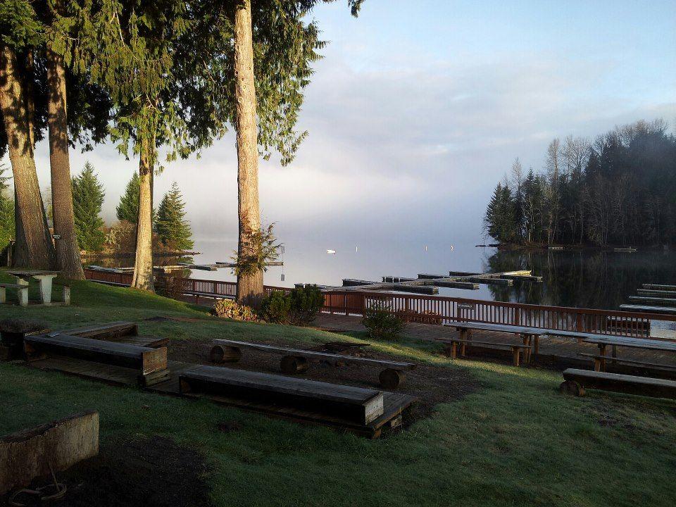 Lake Mayfield Resort And Marina Between Portland And