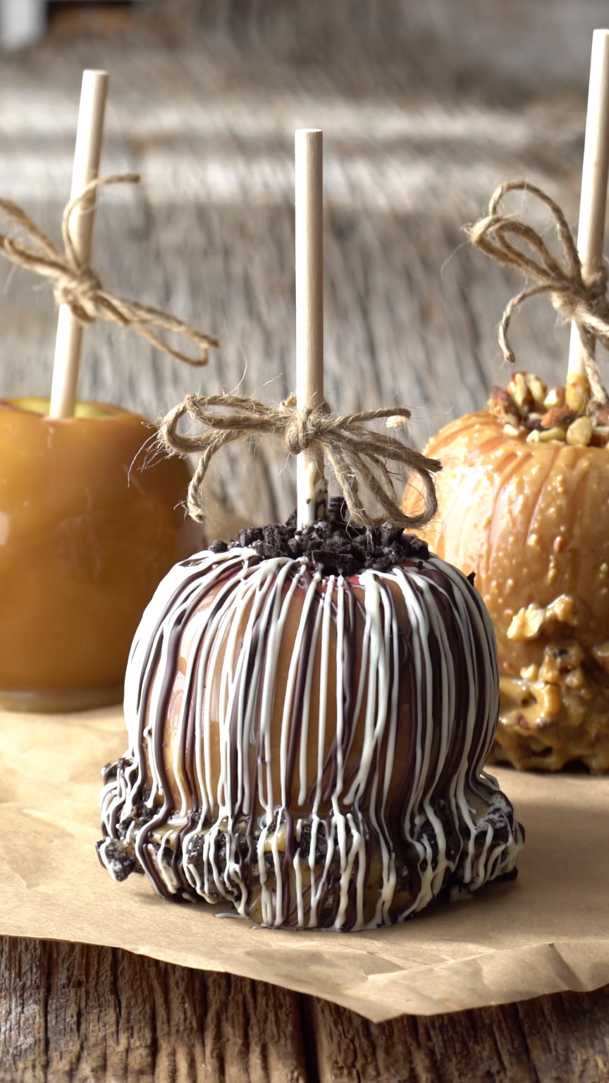 Over the Top Caramel Apples #caramelapples