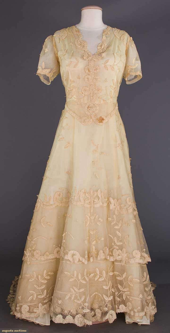 LACE WEDDING GOWN & VEIL, 1930s Princess bobbin lace appliqued on ...