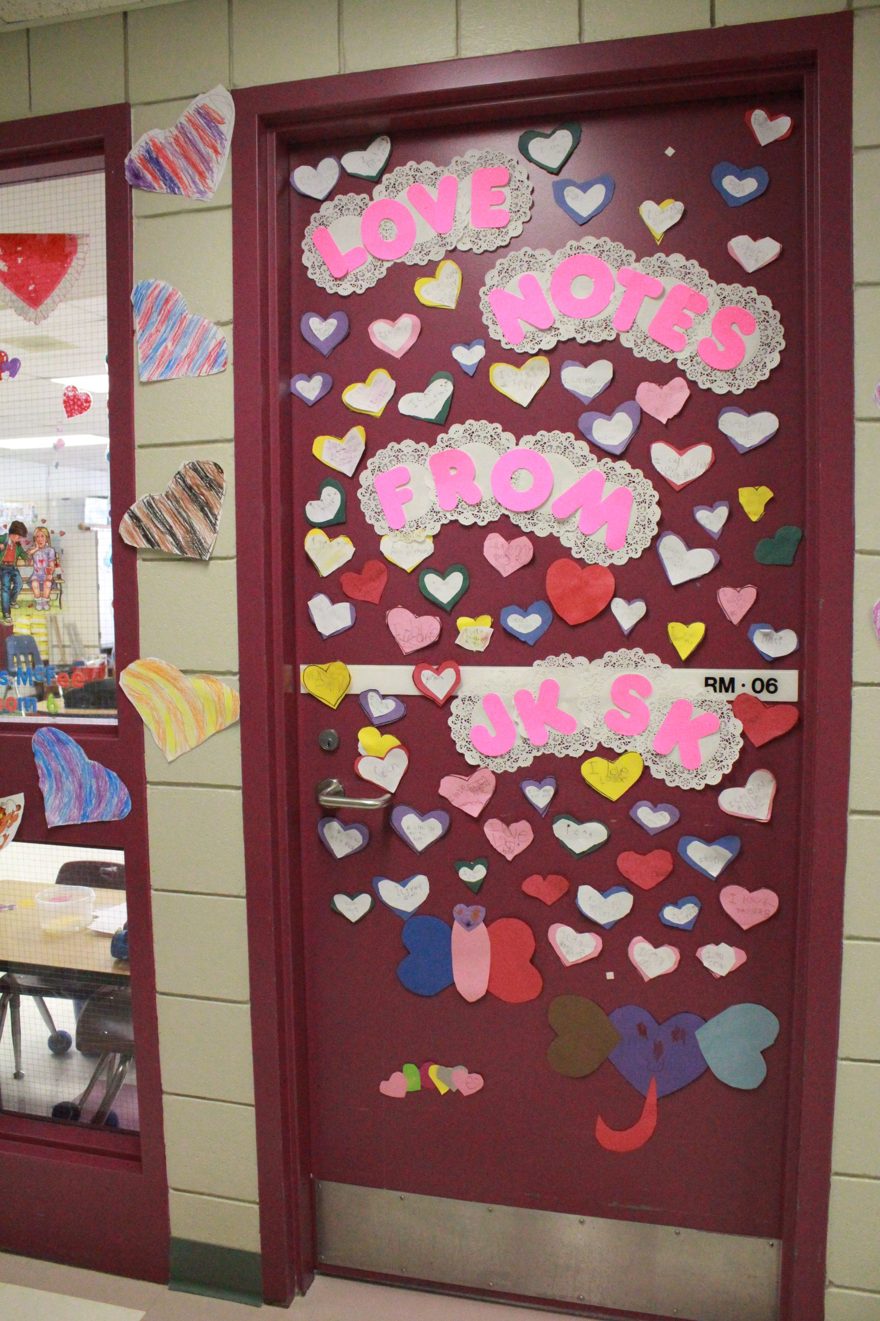 Classroom Valentine Decor : Classroom door decorations for valentines day